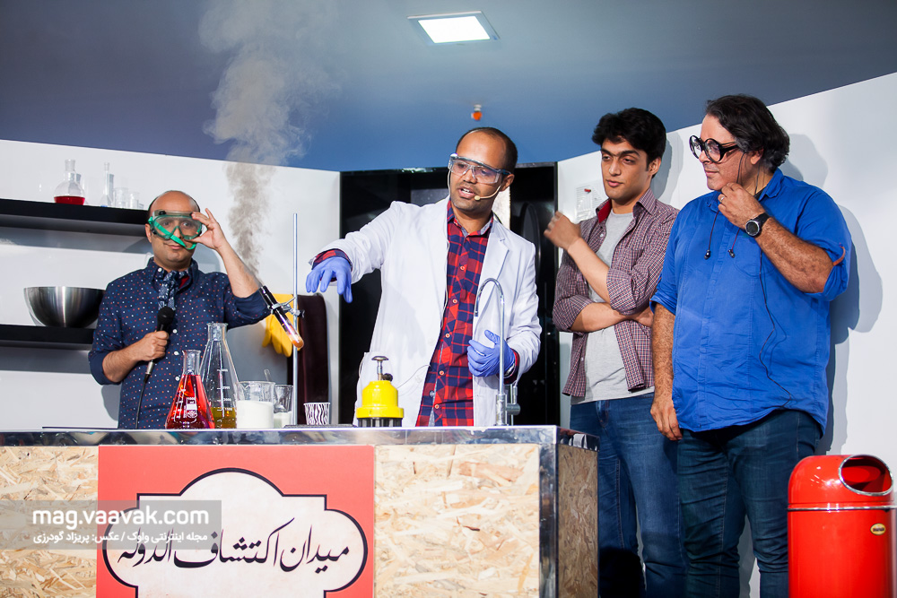 پژمان نوروزی و سیاوش صفاریانپور در میدان اکتشافالدوله باغ کتاب تهران