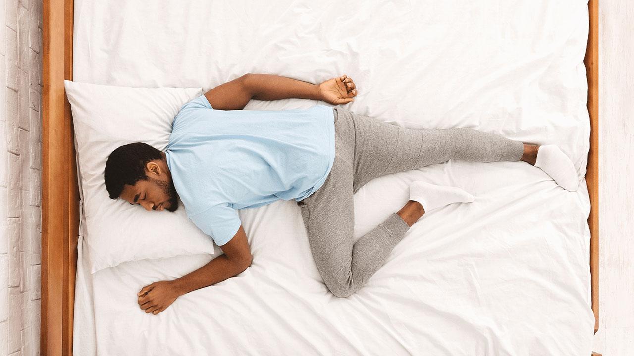 ۱۰ عارضه سلامتی حاصل از خوابیدن روی تشک بد